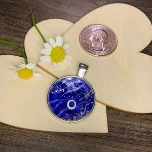 Acrylic Pour circle silver Pendant in blue